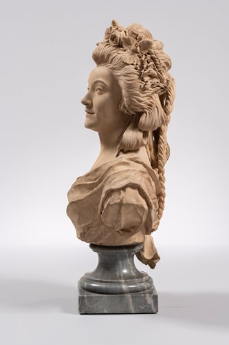 CLAUDE - ANDRÉ DESEINE ( 1740-1823 ) - BUST OF A LADY WITH WREATH OF FLOWERS