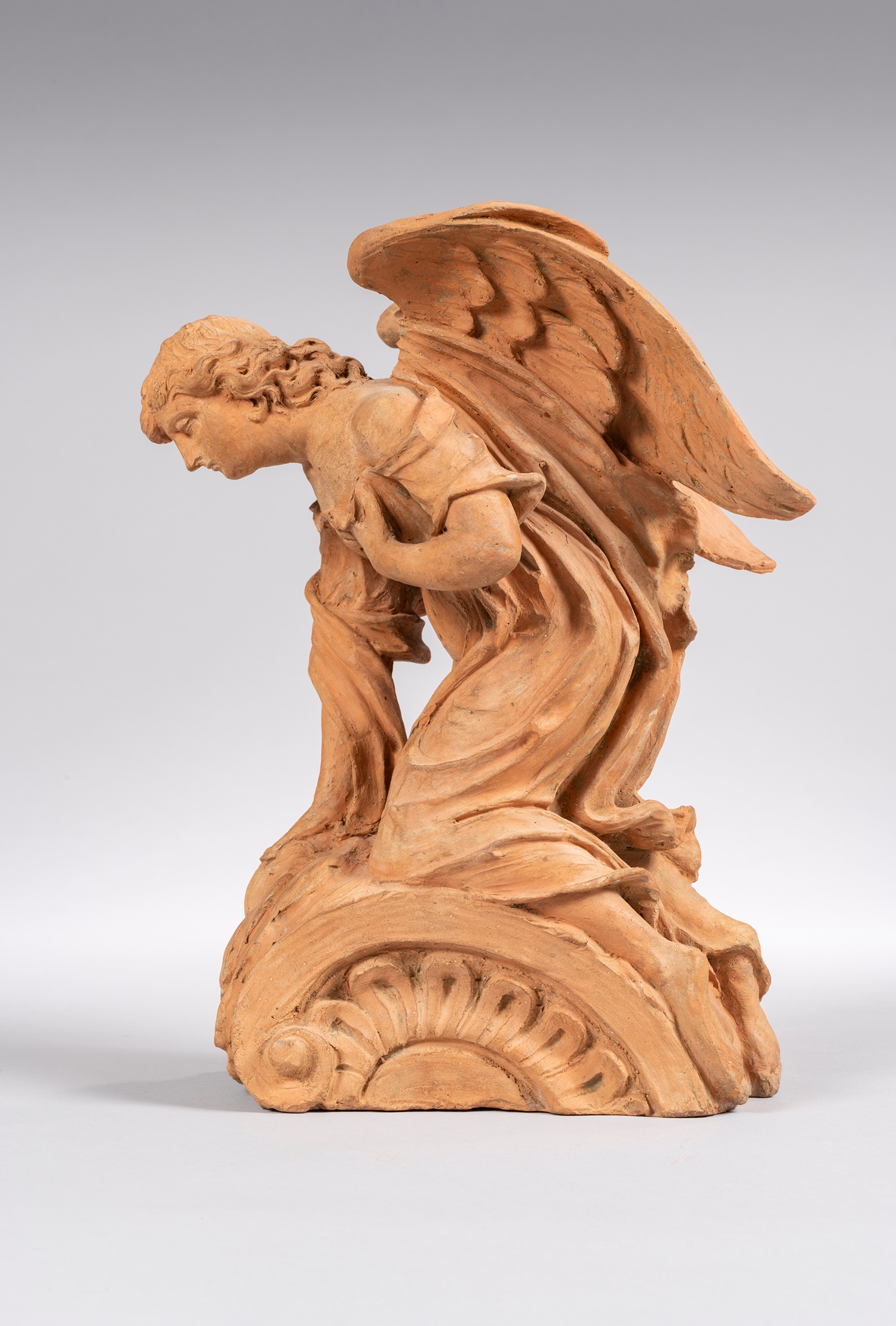 PROJECT FOR THE CORONATION OF AN ALTARPIECE OR A PORTAL : KNEELING ANGEL FLANDERS  17 TH CENTURY - SOLD