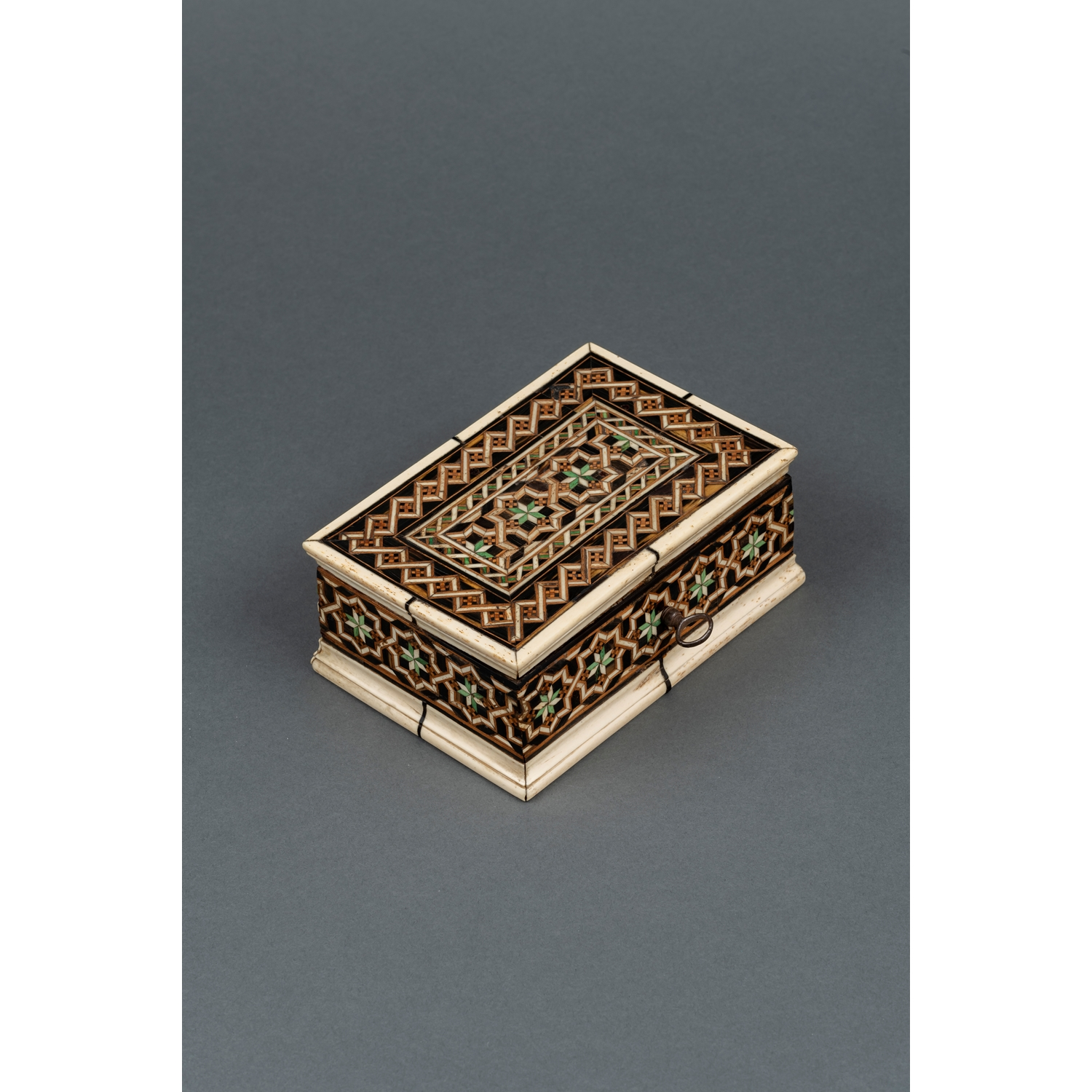 CIRCLE OF EMBRIACHI RECTANGULAR INLAID Marquetery alla Certosina on a wood core CASKET   Northern Italy Mid-15th century