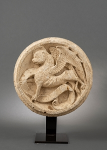 Keystone with the lion of saint Marc
